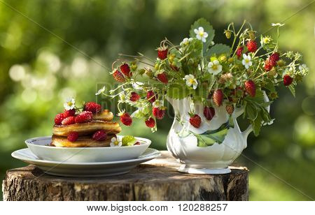 bouquet of strawberry and pancakes Pancake