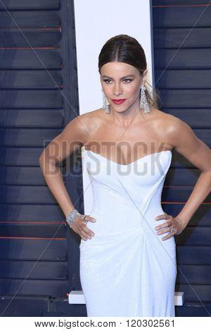 BEVERLY HILLS - FEB 28: Sofia Vergara at the 2016 Vanity Fair Oscar Party on February 28, 2016 in Beverly Hills, California