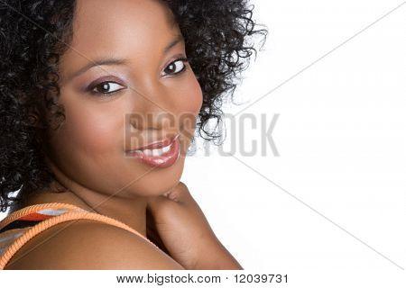 Niña afroamericana sonriente