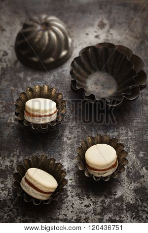 Caramel and chocolate macarons