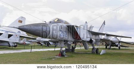 Mig-31- Interceptor (1975).max.speed,km/h-3000