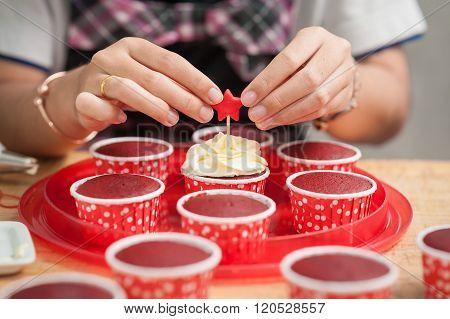 Making Red Velvet Cupcakes