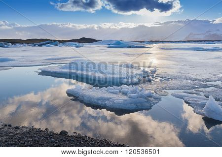 Beautiful reflection natural background over Jakulsarlon lake