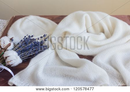 Hat And Scarf Of White Cashmere