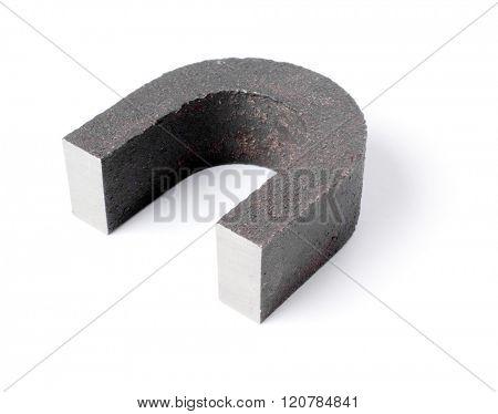 U-shaped magnet.