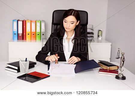 Brunette Woman Notary Public Notarizes Notary Act