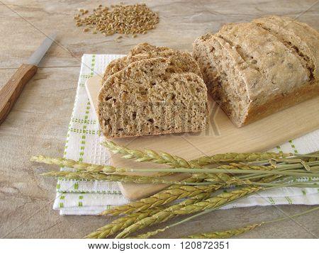 Slices of green spelt bread