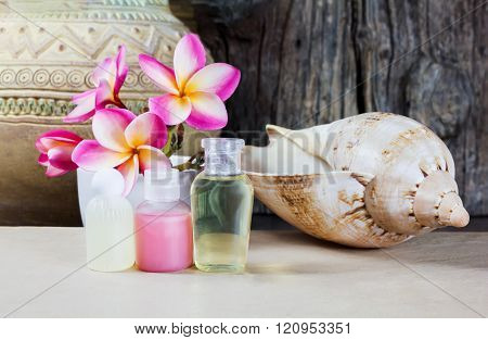 Mini set liquid shower bath gel decorated with flowers