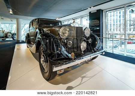 BERLIN - DECEMBER 21, 2017: Showroom. Luxury car Rolls-Royce Phantom III Touring Limousine, 1937. Coachwork by Gurney Nutting.