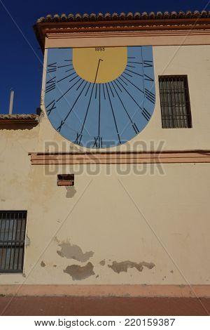 solar wall clock in Cabanyal neighbourhood, Valencia