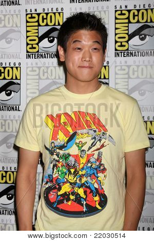 SAN DIEGO - JUL 22:  Ki Hon Lee at the 2011 Comic-Con Convention - Day 2 at San Diego Convention Center on July 22, 2010 in San Diego, CA.