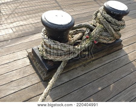 Rope and mooring cleats on a vessel, Glasgow, 2017