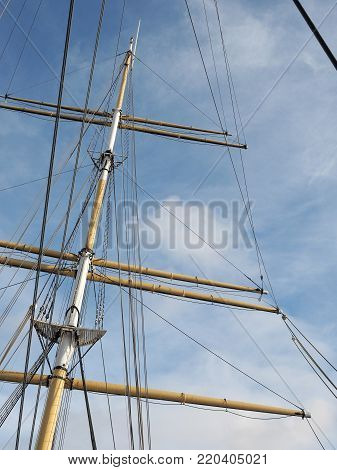 Three mast boat mast and rigging, Glasgow 2017