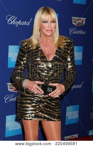 PALM SPRINGS - JAN 2:  Suzanne Somers at the 2018 Palm Springs International Film Festival Gala at Convention Center on January 2, 2018 in Palm Springs, CA