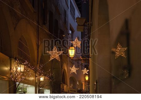 Passeig Des Born With Evening Christmas Light