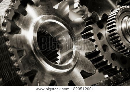 gears and cogs powered by large timing-chain, aerospace industry