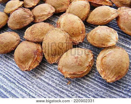 Apricot kernel, dried nuts apricot kernel, apricot core are beneficial to human health,