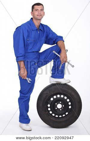 a man car mechanician