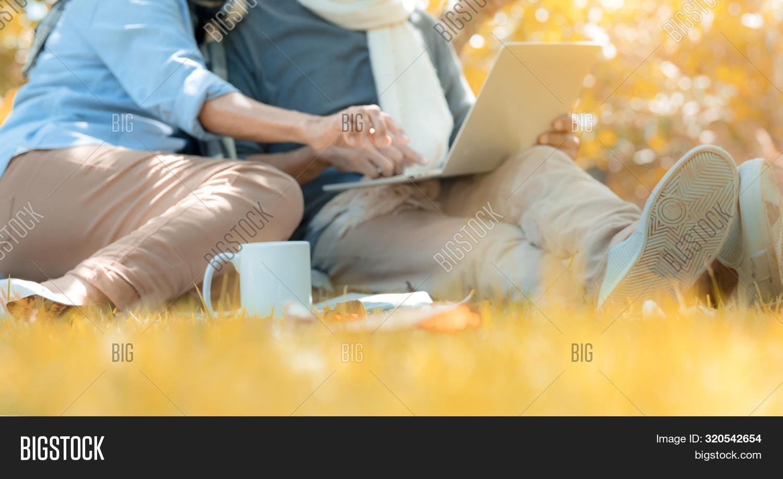 La International Senior Singles Dating Online Site