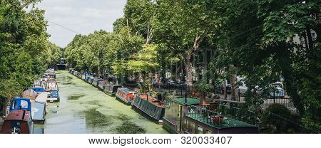 London, Uk - July 18, 2019: Panoramic View Of The Houseboats Moored On Both Sides Of Regents Canal I