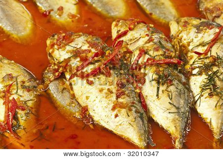Fish fried in a spicy sauce
