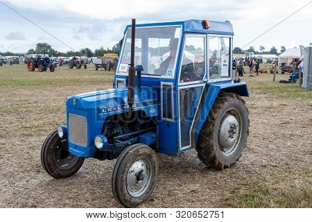 Haselbury Plucknett.somerset.united Kingdom.august 18th 2019.a Vintage Leyland 154 Is Being Driven A