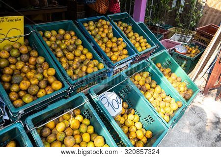 Bangkok, Thailand - December 28, 2018: View Of The Shop Selling Bang Mot Tangerine In Soi 36 Phuttha