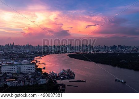 Beautiful Curve Of The Chao Phraya River In The Evening Time. Good Time For Waiting The Sunset Last