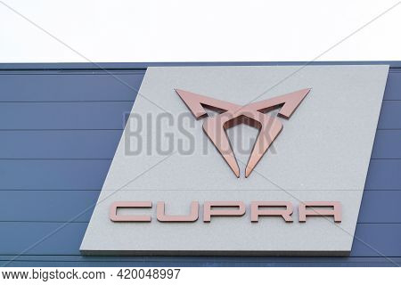 Bordeaux , Aquitaine France - 05 08 2021 : Seat Cupra Sports Car Brand Logo And Text Sign Of Spanish