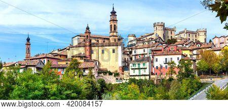 Italian scenic medieval village(borgo) and castle - Costiglione d'Asti in Piedmont (Piemonte),famous region for wine making. Italy.