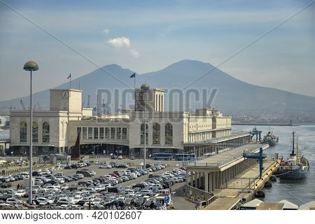 Naples, Italy - September 4, 2016: Terminal Of The Stazione Marittima In The Harbor Of Naples, Italy
