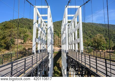 An Iconic White Bridge In Mae Kuang Dam, Chiang Mai Province Of Thailand. Mae Kuang Dam Is A Medium-