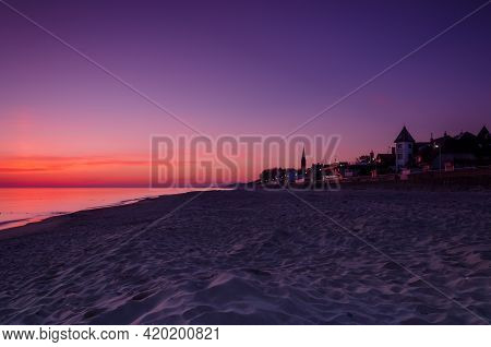 Dawn At The Seaside - Sunrise, Beach And Resorts In The Countryside