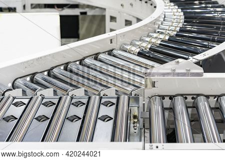 Roller Conveyor Of Automatic Production Line Of Manufacturing Process For Transportation Material Go