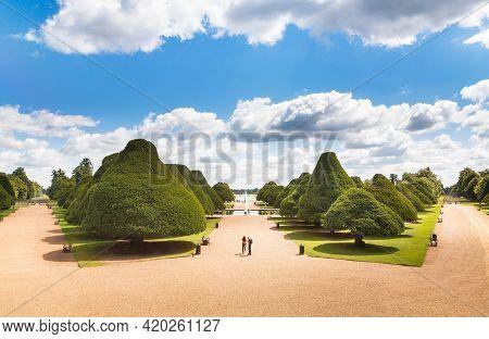London, Uk - July 22, 2011. Tourists Visiting The Great Fountain Garden At Hampton Court Palace Gard
