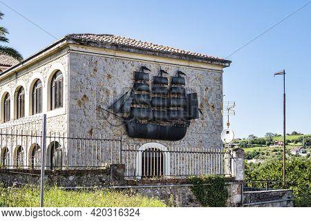 San Vicente De La Barquera, Spain - Sep 08, 2020: View Of San Vicente De La Barquera Traditional Vil