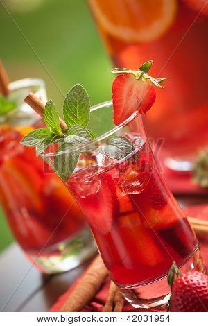 Spicy Strawberry Sangria