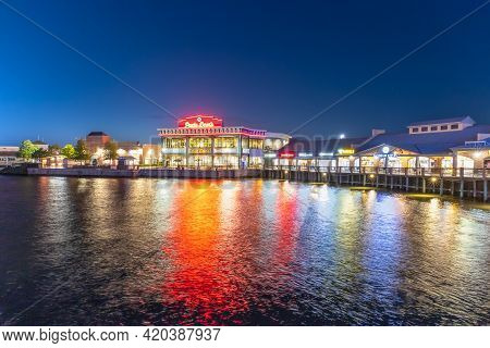 Myrtle Beach, South Carolina: Usa, April 28, 2021. A Wide Angle View Of The Boardwalk Shopping Plaza