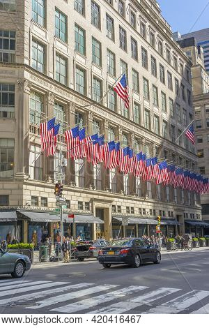 New York, Usa - April 26,2018 : The Saks Fifth Avenue, American Department Store Decorated With Usa