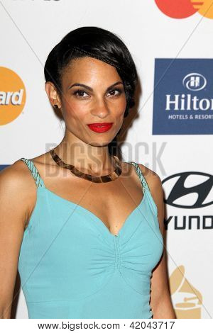 LOS ANGELES - FEB 9:  Goapele arrives at the Clive Davis 2013 Pre-GRAMMY Gala at the Beverly Hilton Hotel on February 9, 2013 in Beverly Hills, CA