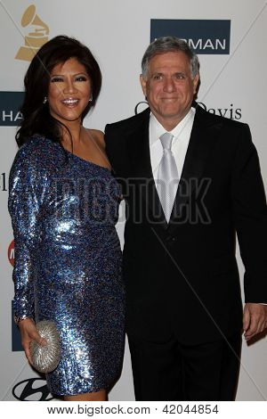 LOS ANGELES - FEB 9:  Julie Chen, Les Moonves arrives at the Clive Davis 2013 Pre-GRAMMY Gala at the Beverly Hilton Hotel on February 9, 2013 in Beverly Hills, CA