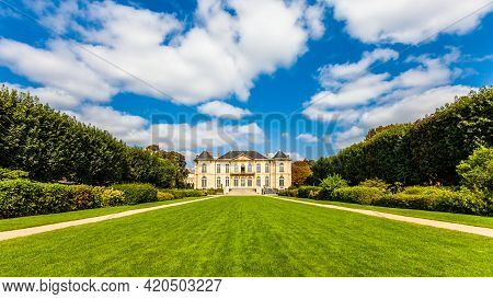 Paris - September 8, 2016: Beautiful View Of The Famous Rodin Museum Park In Paris, France, On Septe