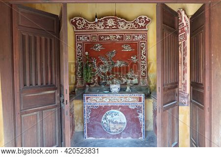 Hoi An, Vietnam, May 15, 2021: Altar Inside The Small Temple Behind The Japanese Bridge In Hoi An, V