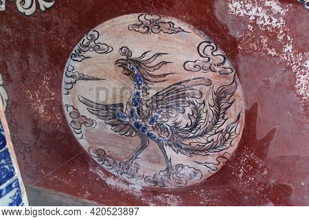 Hoi An, Vietnam, May 15, 2021: Decoration Of The Altar Inside The Small Temple Behind The Japanese B