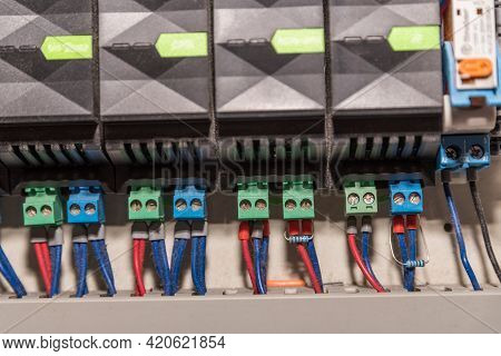 Switches - Connection, Resistor And Circuit - Electronics And Electrical Engineering