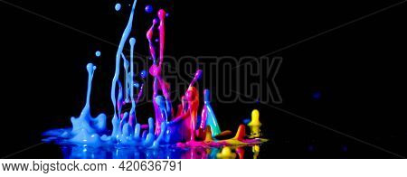?bstract sculptures of colorful splashes of paint. Dancing liquid on a black background. Ink water splash. Color explosion. 5