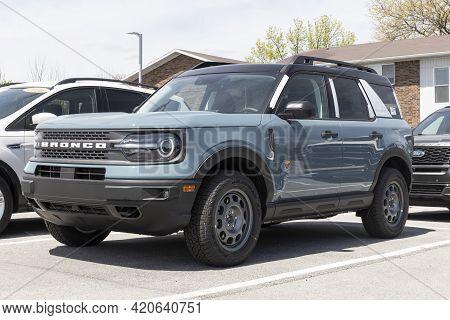Kokomo - Circa May 2021: Ford Bronco Display At A Dealership. Broncos Can Be Ordered In A Base Model