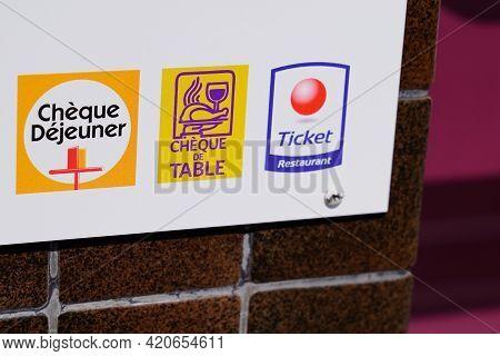 Bordeaux , Aquitaine France - 05 14 2021 : Ticket Restaurant Edenred Brand Cheque Dejeuner Logo And