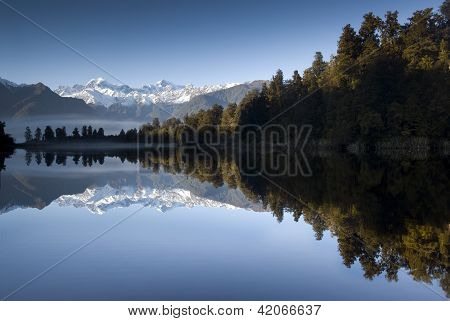 Lake Matheson, Mt Cook, New Zealand