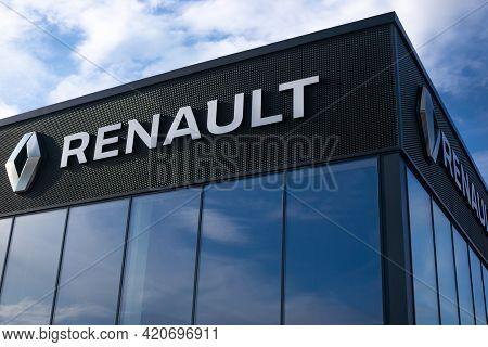 Minsk, Belarus - 05.``14.2021 Renault Logo, Sign At A Renault Car Dealership